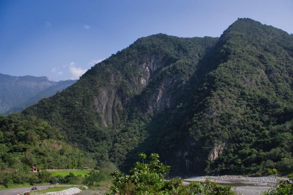 Der erste Blick auf die Gipfel im Taroko-Nationalpark in Taiwan